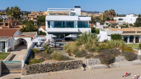 Villa de 6 dormitorios en venta en Costabella – R3417688 en