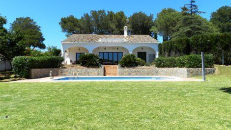 Villa de 3 dormitorios en venta en Sotogrande Alto – R3443356 en