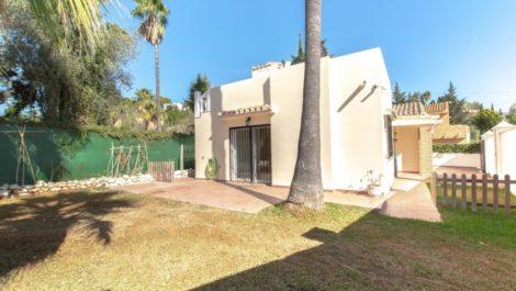 Villa de 3 dormitorios en venta en Mijas Costa – R3529801 en