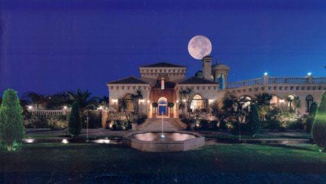 Villa de 10 dormitorios en venta en – R2577569