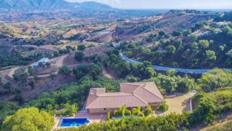 Villa de 3 dormitorios en venta en La Mairena – R2287556 en