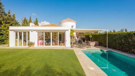 Villa de 3 dormitorios en venta en Guadalmina Alta – R3830293 en