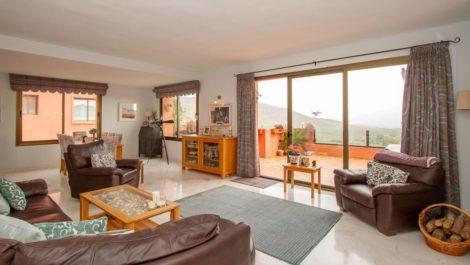 Apartamento de 2 dormitorios en venta en La Mairena – R3832876 en