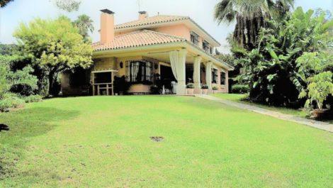 Villa de 5 dormitorios en venta en Milla de Oro – R3785182 en