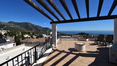 2 bedroom Penthouse for sale in Mijas – R3833299 in