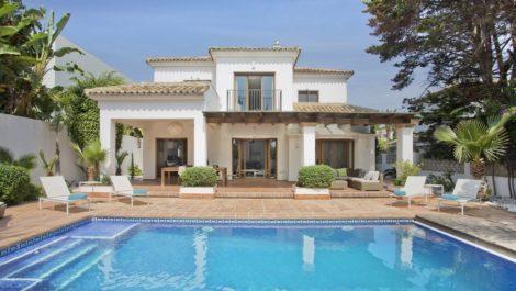 Villa de 4 dormitorios en venta en Hacienda Las Chapas – R3856009 en