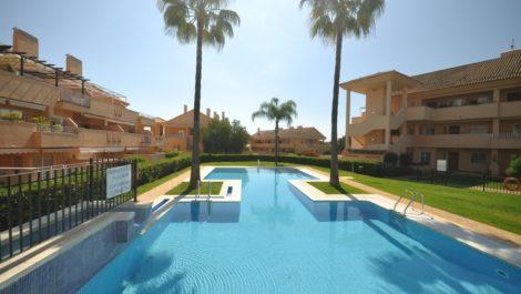3 bedroom Apartment for sale in Elviria – R3839767