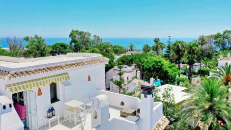 Atico de 3 dormitorios en venta en Elviria – R3721295 en