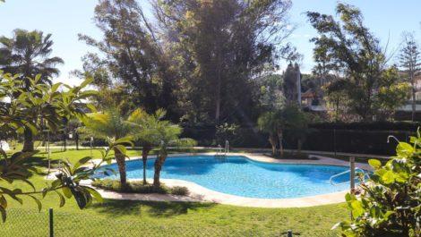 Apartamento de 2 dormitorios en venta en Guadalmina Alta – R3839731 en