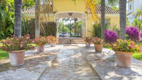 Atico de 3 dormitorios en venta en Guadalmina Alta – R3673724 en