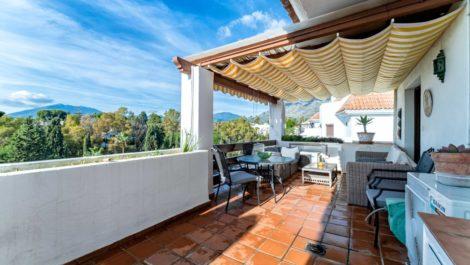 Atico de 3 dormitorios en venta en Milla de Oro – R3799984 en