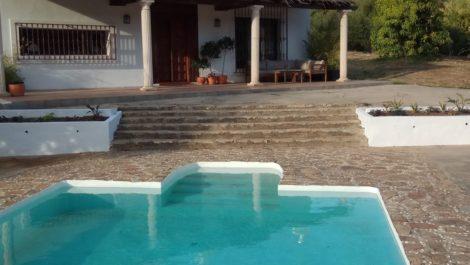 3 bedroom Villa for sale in Estepona – R3720104