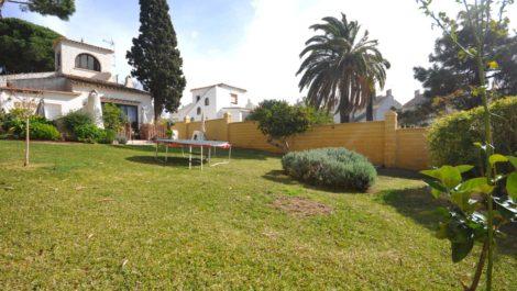 Villa de 3 dormitorios en venta en Las Chapas – R3789133 en