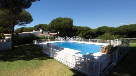 5 bedroom Villa for sale in Calahonda – R3862372