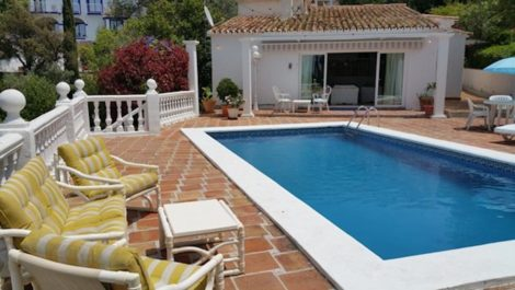 Villa de 3 dormitorios en venta en El Rosario – R3720620 en