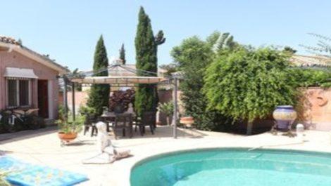 Villa de 4 dormitorios en venta en Guadalmina Alta – R3685355 en