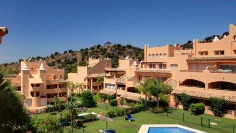 2 bedroom Penthouse for sale in Elviria – R3855601 in