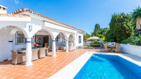 Villa de 3 dormitorios en venta en Costabella – R3812428 en