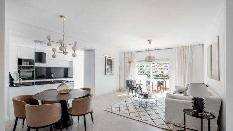 Atico de 3 dormitorios en venta en Selwo – R3711695 en