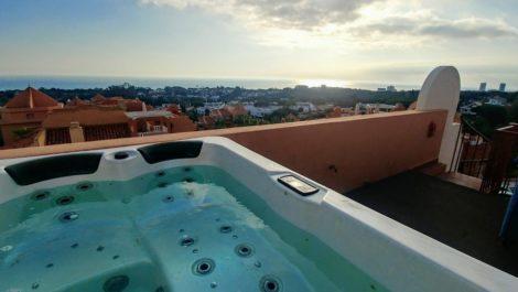Atico de 5 dormitorios en venta en Reserva de Marbella – R3859126 en