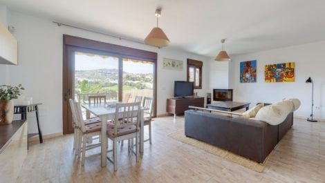 Villa de 4 dormitorios en venta en Mijas Costa – R3839920