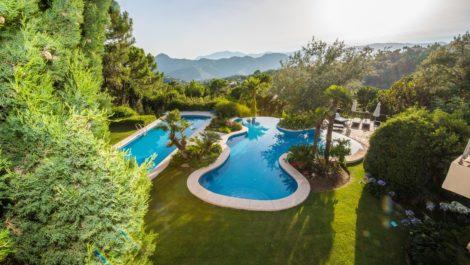 Villa de 8 dormitorios en venta en La Zagaleta – R3576451 en