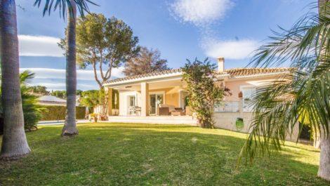 Villa de 3 dormitorios en venta en Cabopino – R3852457 en