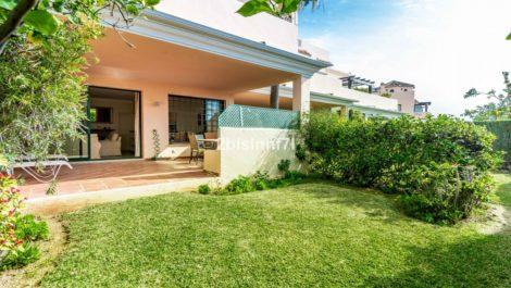2 bedroom Apartment for sale in Elviria – R3595783 in