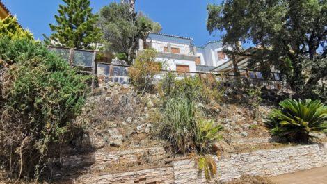 Villa de 3 dormitorios en venta en Estepona – R3786052 en