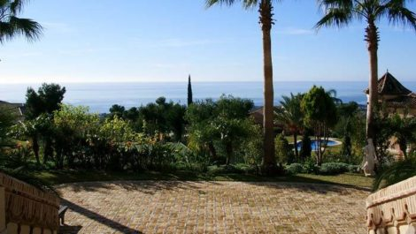 7 bedroom Villa for sale in Sierra Blanca – R3646943 in