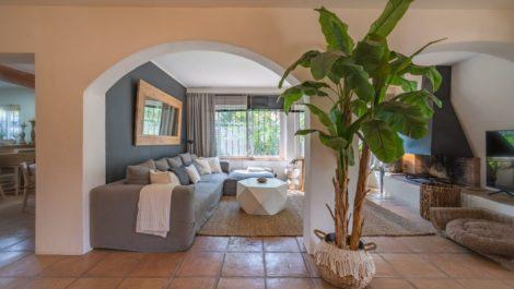 Villa de 3 dormitorios en venta en Elviria – R3802909 en