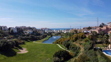 Atico de 3 dormitorios en venta en Riviera del Sol – R3811030 en