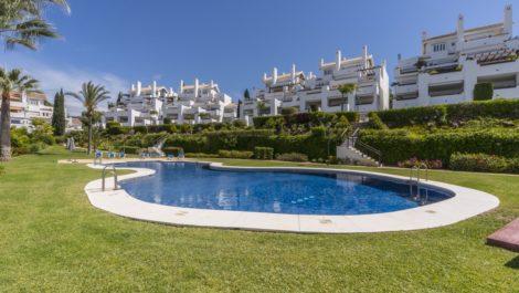 Apartamento de 2 dormitorios en venta en Los Monteros – R3379411 en