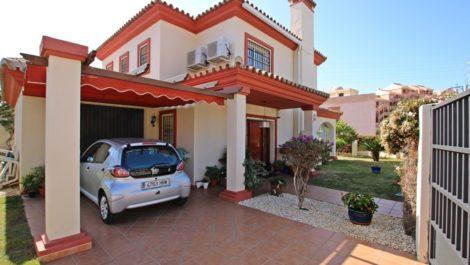 Villa de 3 dormitorios en venta en Riviera del Sol – R3502564 en
