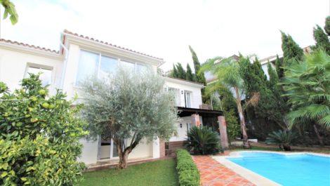 Villa de 4 dormitorios en venta en Sotogrande Alto – R3730240 en