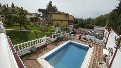 Villa de 6 dormitorios en venta en Milla de Oro – R3789928 en