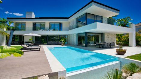 Villa de 5 dormitorios en venta en Marbesa – R3796087 en