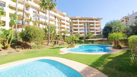 Apartamento de 2 dormitorios en venta en Guadalmina Alta – R3838678 en