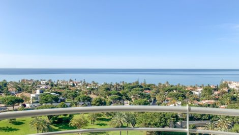 3 bedroom Apartment for sale in Marbesa – R3885979 in