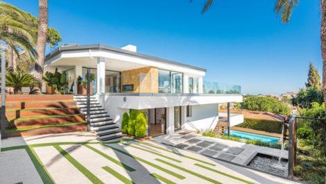 4 bedroom Villa for sale in Marbesa – R3874102 in