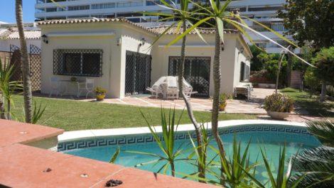 Villa de 3 dormitorios en venta en Guadalmina Alta – R3867298 en