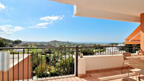 Apartamento de 2 dormitorios en venta en La Quinta – R3881305 en