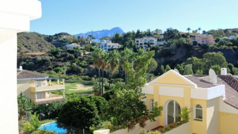 Apartamento de 3 dormitorios en venta en La Quinta – R3512296 en