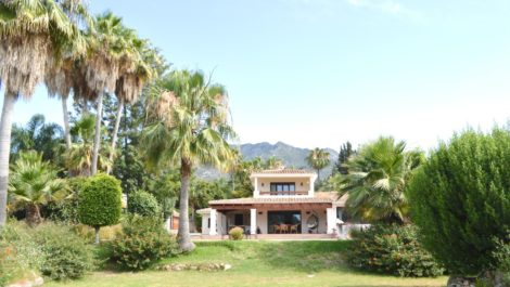 10 bedroom Villa for sale in Marbella – R3890494 in