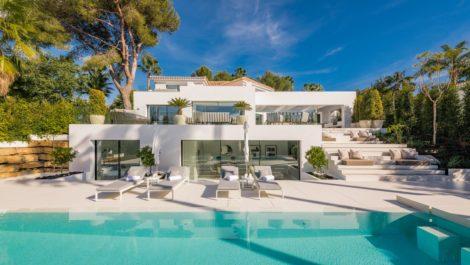 4 bedroom Villa for sale in Las Brisas – R3887461 in