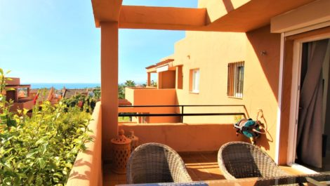 Apartamento de 3 dormitorios en venta en Elviria – R3596323 en