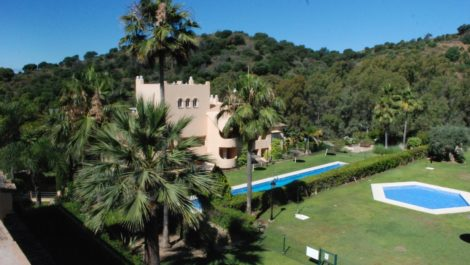 2 bedroom Penthouse for sale in Elviria – R3877924 in