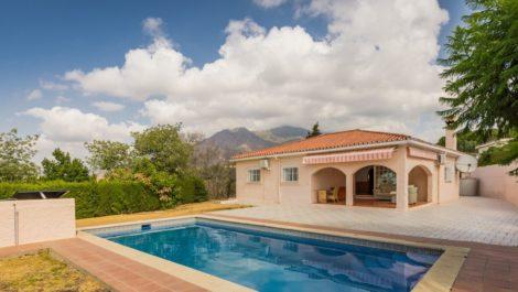 3 bedroom Villa for sale in Estepona – R3477109