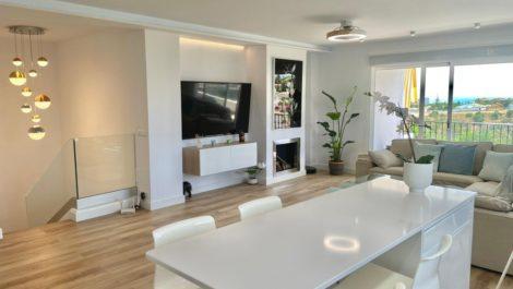 Atico de 4 dormitorios en venta en Riviera del Sol – R3888787 en