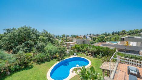 Villa de 4 dormitorios en venta en Sierra Blanca – R3900691 en